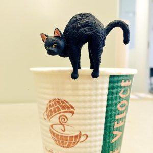カフェ・ベローチェに急げ!【ドリンク3杯で1匹】黒ふちねこをゲットしよう♪