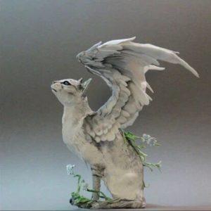 幻想的で美しい!彫刻アートの猫たち