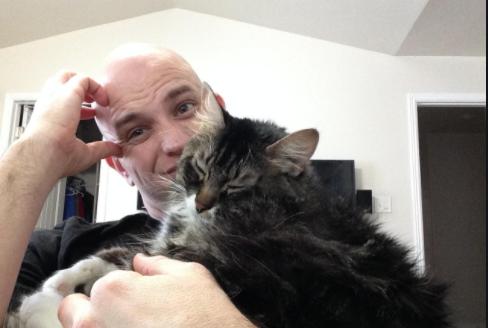 元カノが言いました。『あなたのところへ戻ってもいいわ、あなたが猫を手放したらね』