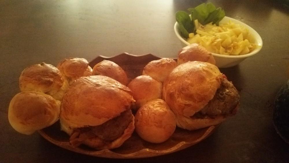 ネコのおててを食べてみたい!:「肉球バーガー」を作ってみた。