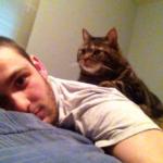 10歳だった私は旅行先で拳ほどの大きさの子猫と出会い、子猫は数年しか生きられないと診断された